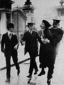 Emmeline_Pankhurst arrestata a Londra
